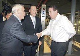 La prensa panameña captó en agosto del 2014 al expresidente Otto Pérez Molina con André Rabello, en la inauguración de una estación del Metro. (Foto Prensa Libre: La Prensa, Panamá)