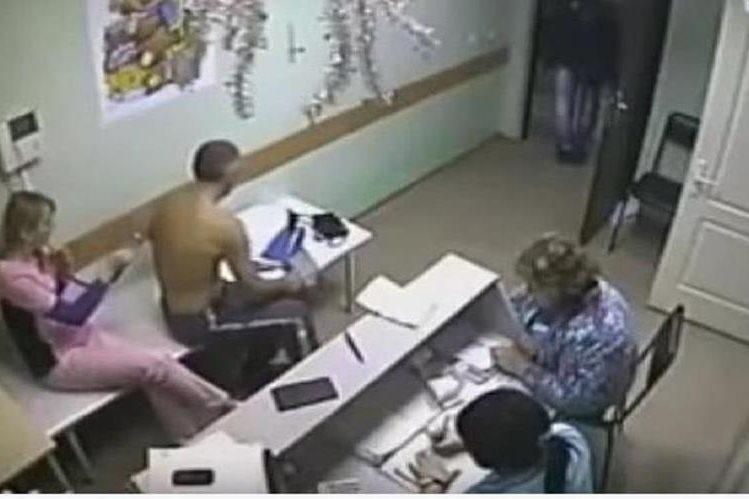 Imagen del vídeo colgado en Internet que muestra la agresión.