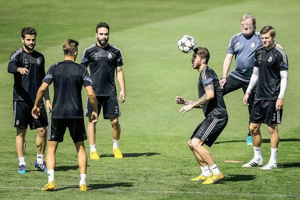 Los jugadores del Real Madrid realizaron ayer su último entrenamiento en Valdebebas. (Foto Prensa Libre: EFE)