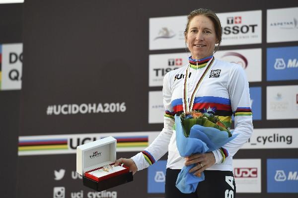 Amber Neben se coronó campeona del mundo en la especialidad de contrarreloj. (Foto Prensa Libre: AP)