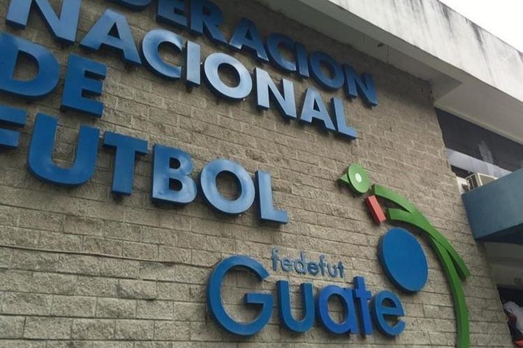 La Federación de Futbol de Guatemala se encuentra suspendida, por la Fifa, desde octubre del año pasado. (Foto Prensa Libre: Hemeroteca)