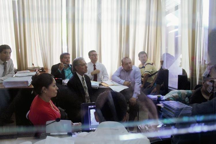 Audiencia de  primera declaración de seis  de los  11 capturados,  en Guastatoya, El Progreso.  (Foto Prensa Libre: Hugo Oliva)