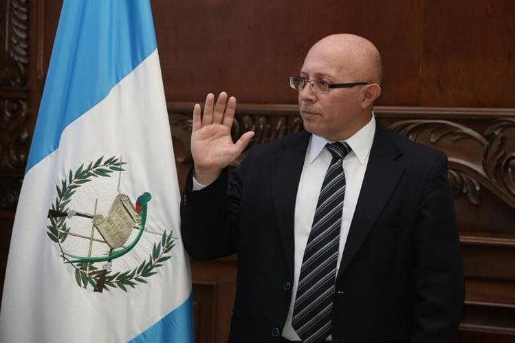 Enrique Octavio Alonzo Aceituno es el nuevo director del Renap. (Foto Prensa Libre: Vicepresidencia)