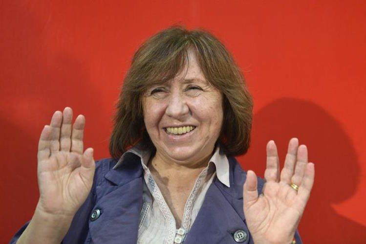 La escritora Svetlana Alexievich ganó el premio Nobel de Literatura de 2015. (Foto Prensa Libre: EFE)