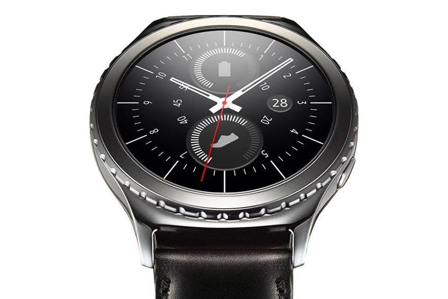El Gear S2 Classic presenta un aspecto más parecido al de un reloj de pulsera tradicional. (Foto Prensa Libre: Tomada de www.samsung.com)