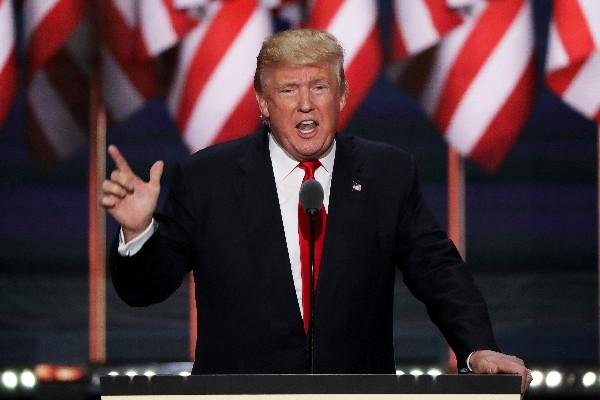Donald Trump ofrece un discurso durante el día de cierre de la Convención Republicana.