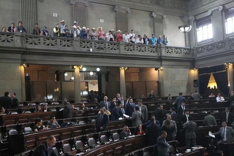 Ganaderos celebran el avance de la ley que los beneficia. (Foto Prensa Libre: Érick Ávila)