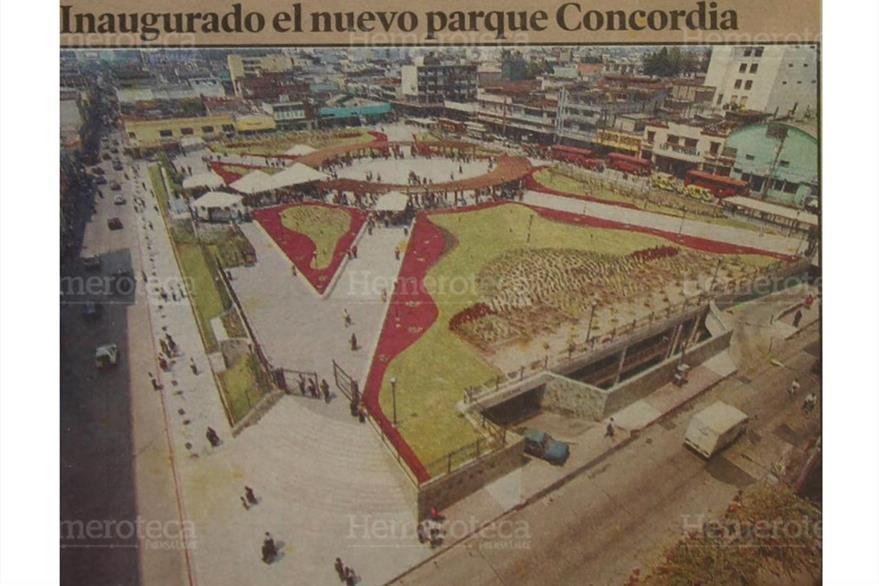 25/4/2003 El alcalde Fritz García-Gallont inaugura la remodelación del parque Gómez Carrillo. (Foto: Hemeroteca PL)