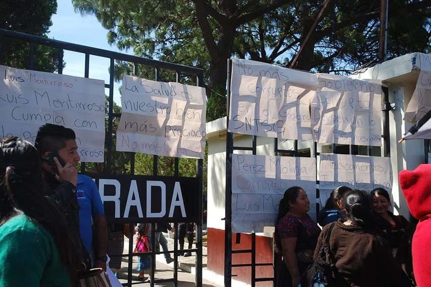 Sindicalistas han suspendido servicios hospitalarios para forzar al diálogo con autoridades.