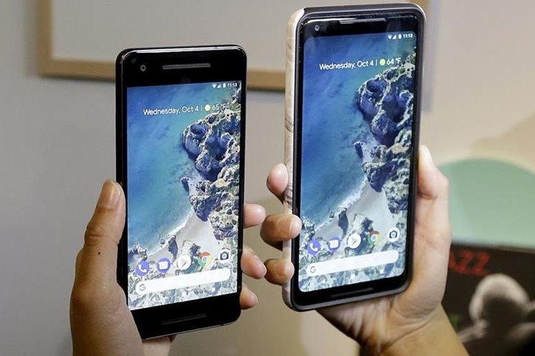 La nueva versión del teléfono de Google protagonzia las novedades de la compañía estadounidense (Foto Prensa Libre: AP).