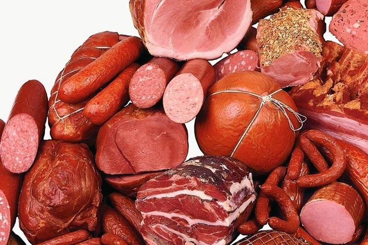Los expertos concuerdan en que se debe moderar el consumo de carne roja y procesada, pero, ¿cuánto es lo recomendable? (Foto Prensa Libre: Vadim Zholobov / Astroid).