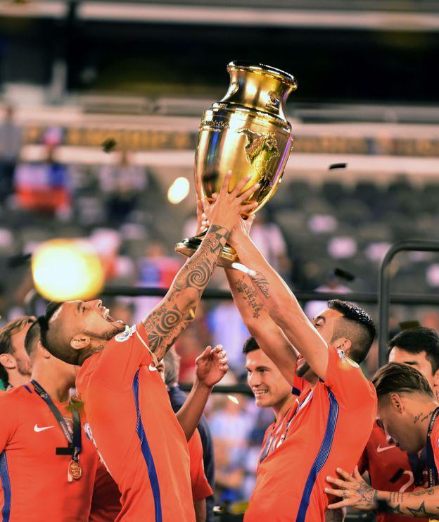 Chile ganó las últimas dos ediciones de la Copa América y participará en su primera Copa Confederaciones. (Getty)