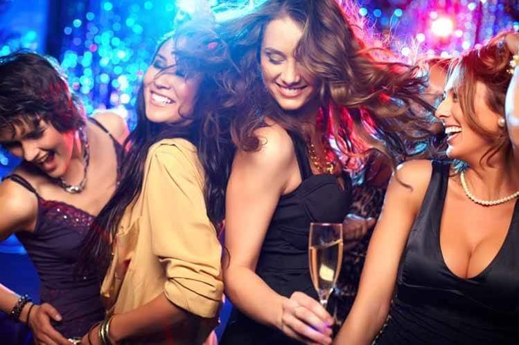 Bailar la calidad de vida de mujeres con hipertensión.