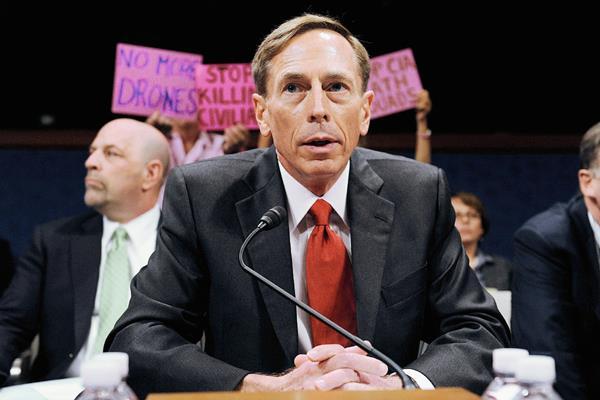 Petraeus, el 13 de septiembre de 2011, en Washington. (Foto Prensa Libre: EFE).