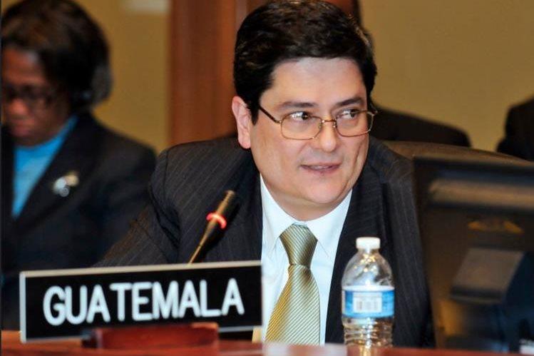 Manuel Estuardo Roldán Barillas, embajador de Guatemala en Belice, salió este día de ese país por orden del presidente Jimmy Morales. (Foto Prensa Libre: OEA)