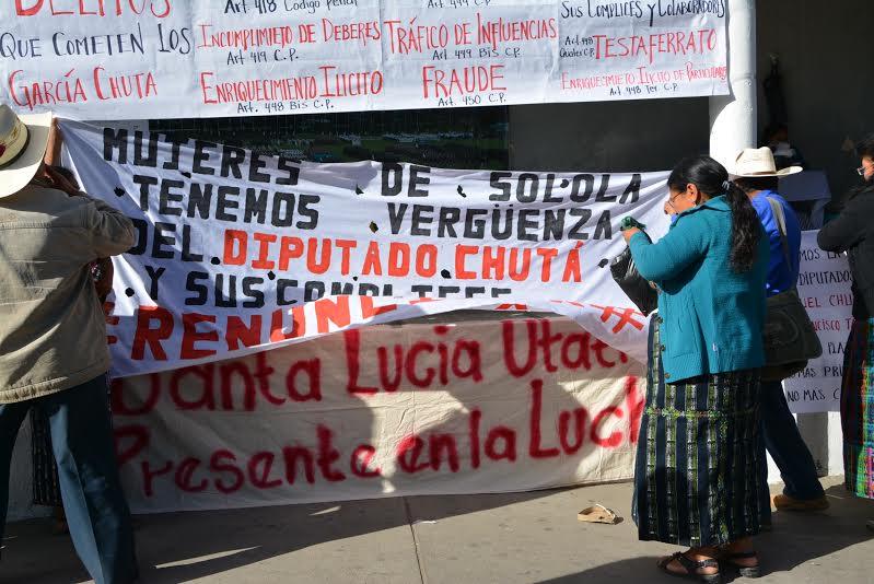 Vecinos de Sololá están en contra del diputado Manuel García Chutá y de su hermano Luis quien es Gobernador de ese departamento. (Foto Prensa Libre: Édgar Sáenz)