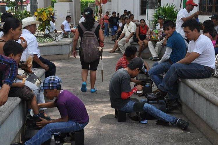 2.8 millones de niños y adolescentes indígenas estarían siendo limitados en sus derechos, asegura Unicef. (Foto Prensa Libre: Hemeroteca PL)
