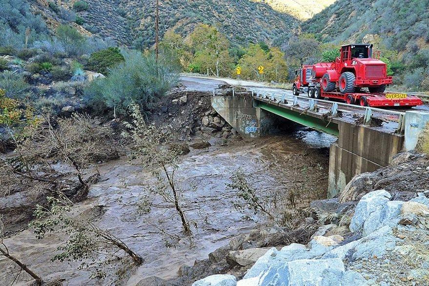 Un sistema de baja presión causa caos al sureste de California. (Foto Prensa Libre: AP).