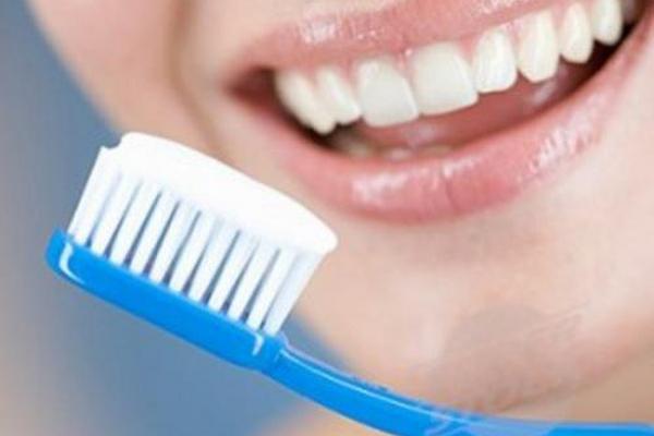 <p>Consejos para cuidar los dientes en Navidad</p>