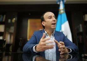 Jorge de León Duque, procurador de los Derechos Humanos, lamenta falsificación de orden de captura contra Lacs Palomo. (Foto Prensa Libre: Érick Ávila)