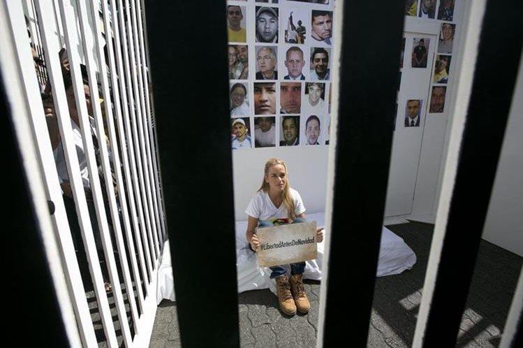 Lilian Tintori, esposa del opositor venezolano Leopoldo López. (Foto Prensa Libre: AP).