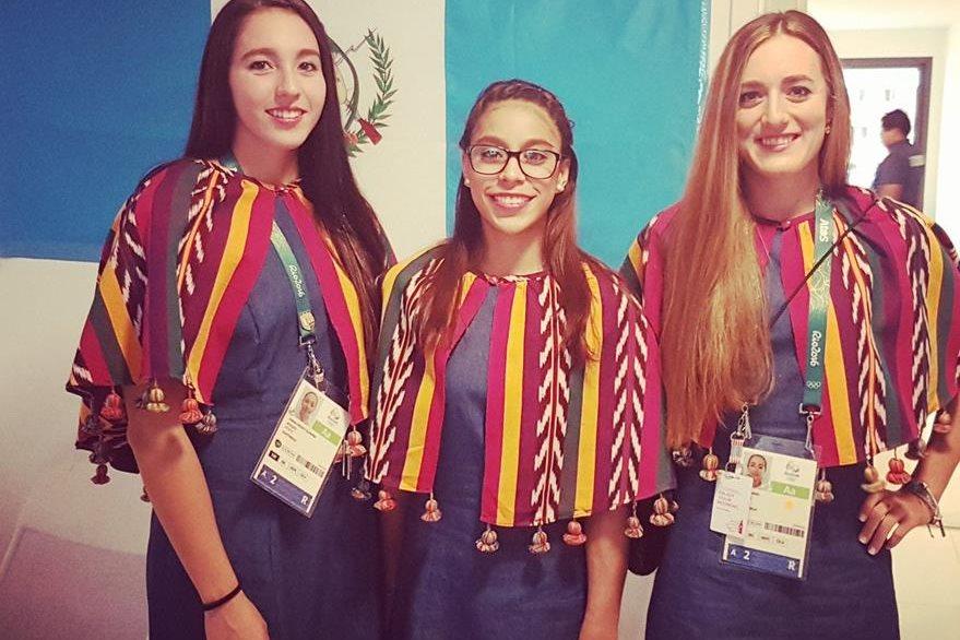 La indumentaria de las deportistas es creación de las diseñadoras Sandra Valdez y Emma Gutiérrez. (Foto Prensa Libre: COG)