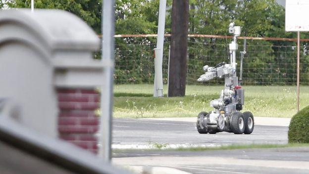 La Policía de Dallas empleó también un robot para detonar un paquete en 2015. GETTY IMAGES