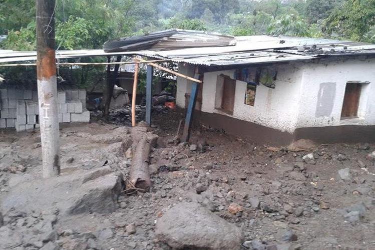 Una de las viviendas afectadas por un deslizamiento en Santa Cruz La Laguna, Sololá. (Foto Prensa Libre: Conred)