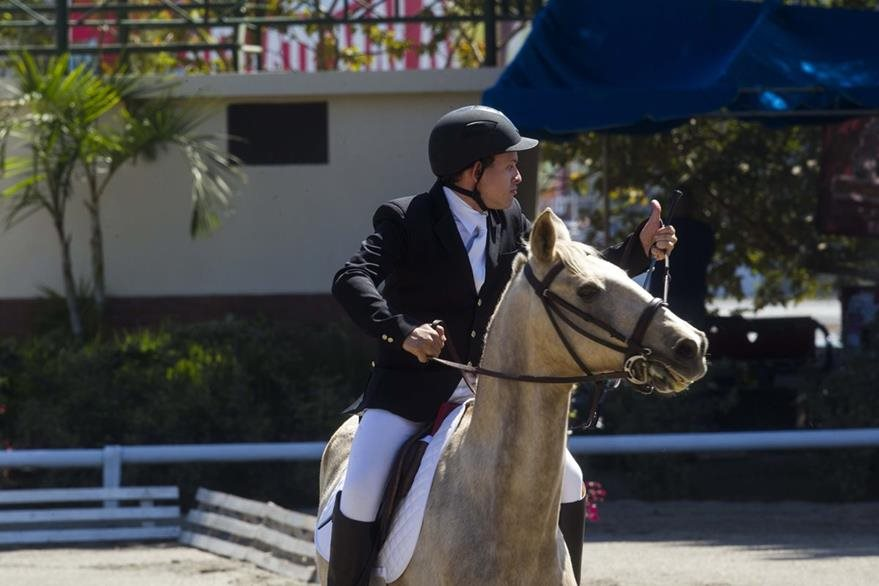 Hoy dio inicio el primer torneo internacional de equitacion que organiza Olimpiadas especiales de Guatemala y que cuenta con la presencia de Colombia, El Salvador y Uruguay en el hipodromo del Sur. En la imagen Ricardo Soussa ganador del primer lugar Working Trails categoria A.Foto Norvin Mendoza