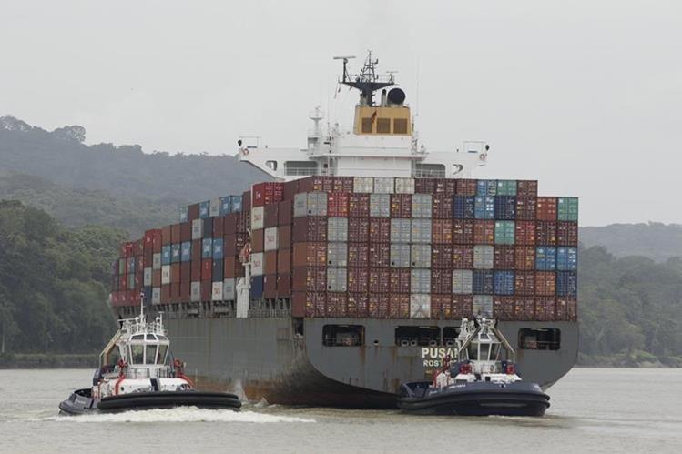 La ampliación permitirá el paso de buques de mayor tamaño. (Foto Prensa Libre: AP)