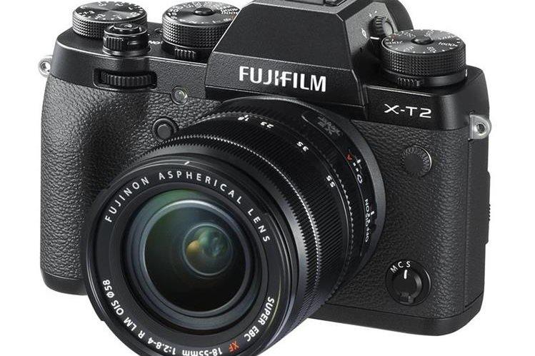 La X-T2 tiene un cuerpo compacto y resistente, y un sensor de 24.3 MP. Graba video a 4K. (Foto Prensa Libre: FujiFilm).
