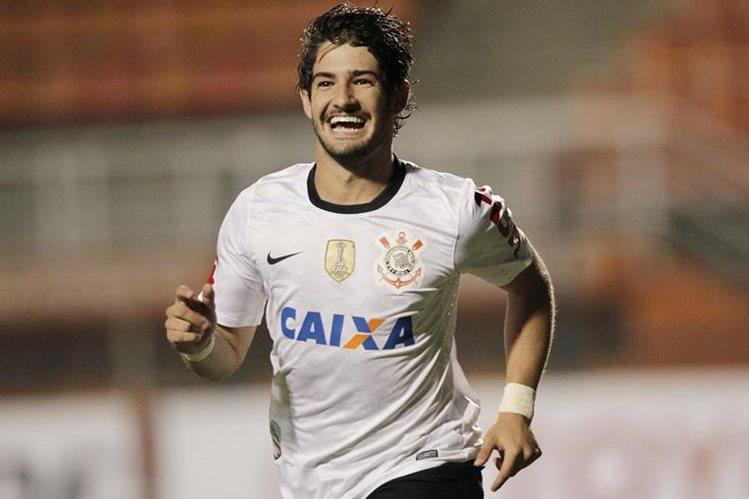 Pato se encuentra muy emocionado por vivir una nueva experiencia en el futbol chino. (Foto Prensa Libre: AP)