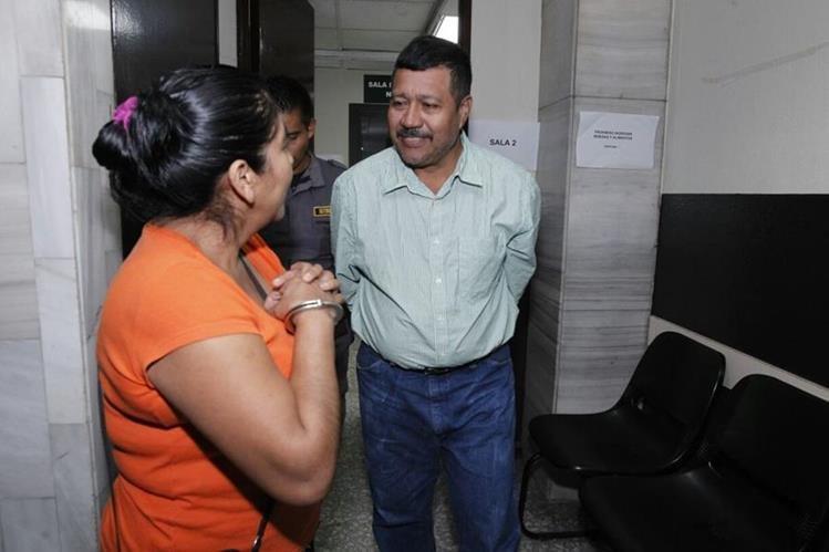 Albertina Recancoj y Marciano Rivera, luego de la condena. (Foto Prensa Libre: Paulo Raquec)