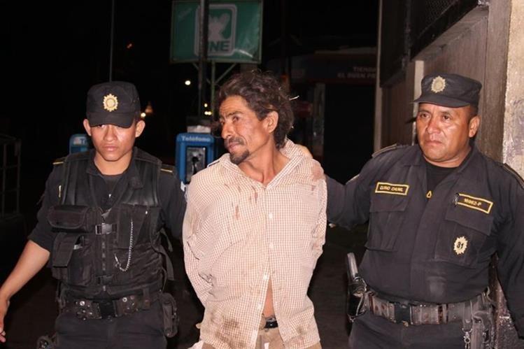 Capturado en Masagua, Escuintla, es sindicado de haber agredido a su cónyuge. (Foto Prensa Libre: Carlos E. Paredes)