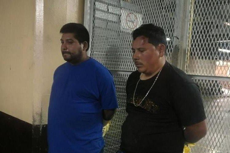 Dos hombres son sindicados de haber retenido a un hombre y su sobrino en la zona 7 capitalina, a quienes les exigían dinero para dejarlos en libertad. (Foto Prensa Libre: La Red)
