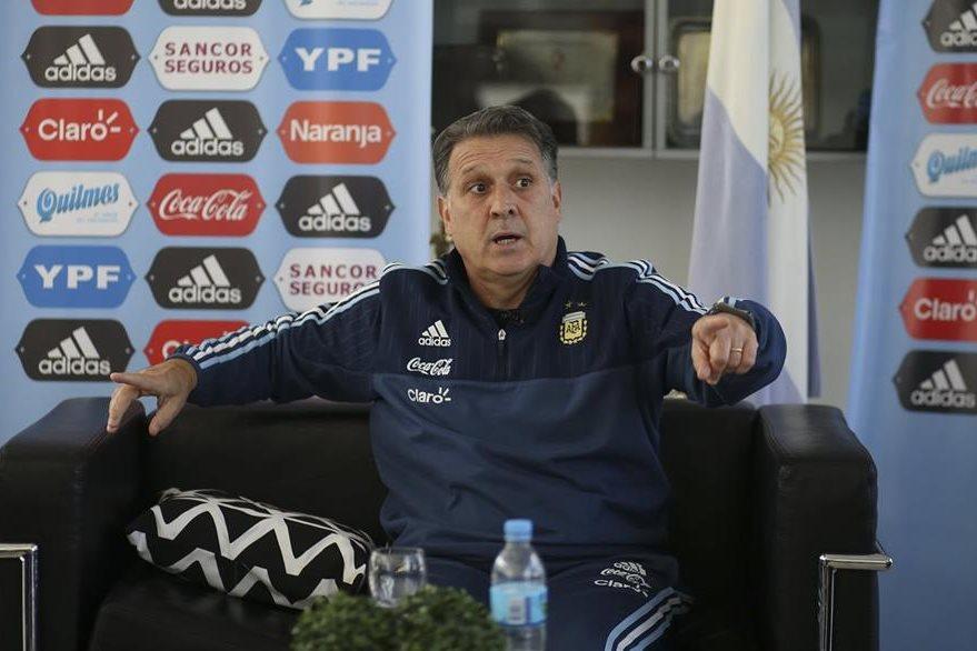 Martino aseguró que la selección de Argentina deberá salir a ganar la Copa América Centenario. (Foto Prensa Libre: EFE)
