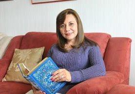 Gloria Hernández es autora de obras de narrativa, ensayo, teatro, literatura infantil y poesía. (Foto Prensa Libre: Brenda Martínez).