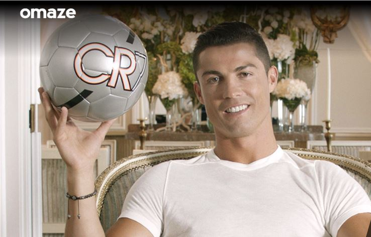 Cristiano Ronaldo participa con Omaze en la búsqueda de fondos para establecer un programa de deportes para la escuela secundaria en la academia para la paz y la justicia. (Foto Prensa Libre: Omaze.com)