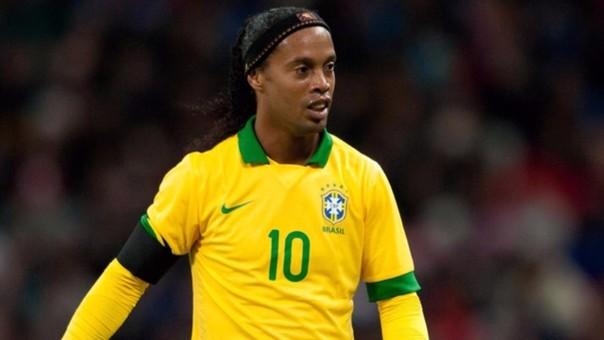 El brasileño Ronaldinho será el refuerzo de lujo para el Cienciano de Perú en un partido de exhibición. (Foto Prensa Libre: Hemeroteca)