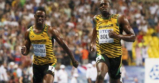 Bailey (izquierda) es uno de los mejores relevistas de Jamaica. (Foto Prensa Libre: Tomada de Internet)