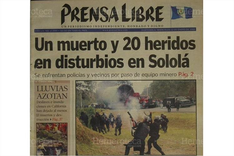 Portada de Prensa Libre del 12/1/2005 donde se informaba sobre los sucesos  en Sololá. ( Foto: Hemeroteca PL)