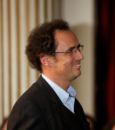 Juan Carlos de la Llera, decano de la Escuela de Ingeniería de la Universidad Católica de Chile. (Foto Prensa Libre: Internet).