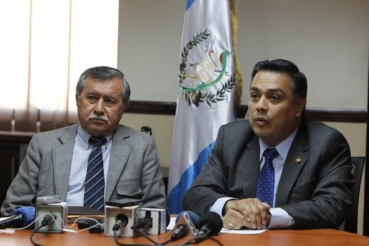 Edgar Ovalle -izquierda- y Javier Hernández, jefes del bloque FCN-Nación, son denunciados por compra de diputados. (Foto Prensa Libre: Hemeroteca PL)