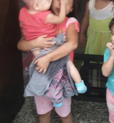 La niña de 4 años era quien se quedaba a cargo de sus hermanas. (Prensa Libre:Enrique Paredes)