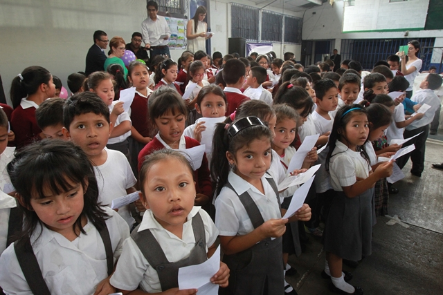 Debido a la vulnerabilidad que son objeto las niñas y niños de Sanarate, el Progreso, la Fundación Jóvenes en Acción apoyará con cursos a 20 estudiantes de ese lugar. (Foto Prensa Libre: Hemeroteca PL)