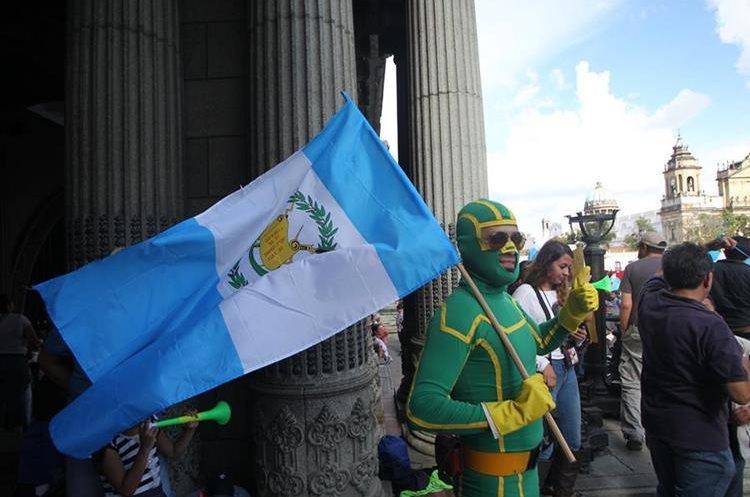 Organizadores indicaron que las protestas continuarán durante el proceso judicial contra el Presidente.