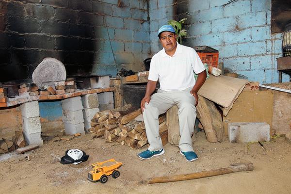 Renato Tepaz, el caddie de golf que se convirtió en jugador profesional. (Foto Prensa Libre: Óscar Felipe)