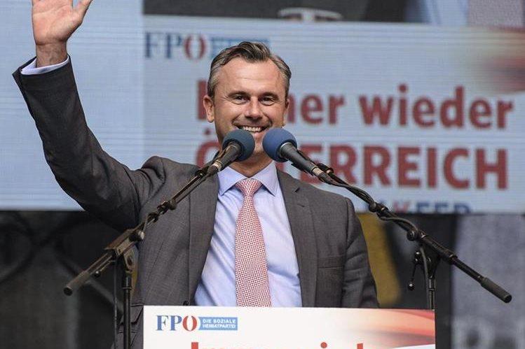 Norbert Hofer, líder de la extrema derecha, lidera las elecciones presidenciales de Austria. (Foto Prensa Libre: AFP)