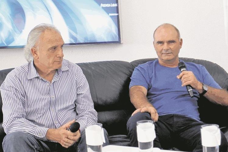 Iván Franco Sopegno y José Emilio Mitrovich, durante una entrevista en Prensa Libre. (Foto Prensa Libre: Hemeroteca PL)