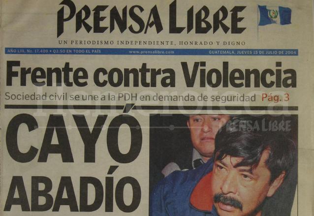 Titular de Prensa Libre del 15 de julio de 2014 informando sobre la captura del ex jefe de la SAT, Marco Tulio Abadío Molina. (Foto: Hemeroteca PL)